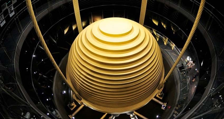 The Taipei 101 damper, with a diameter of 5.5 meters, is the world's largest and heaviest wind damper, reducing up to 40 percent of the building's movement.