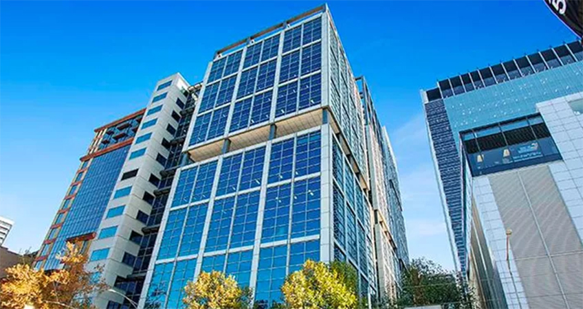Real estate investor Dexus has offloaded an A-grade tower in the Melbourne CBD to German investor Deka Immobilien.