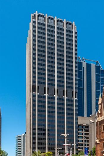 The 30,000-square-meter building is in a prime location in the center of Perth. © Roberto Portolese