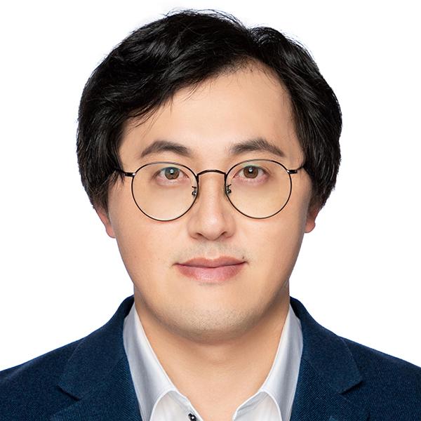 Yi Qi, portrait